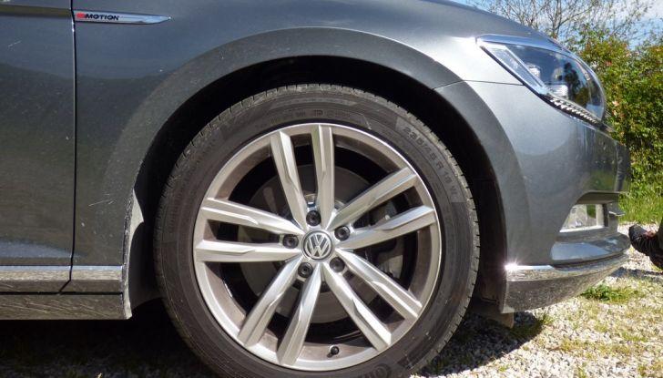 Volkswagen Passat Variant BiTdi da 240CV: la prova della wagon da corsa - Foto 29 di 29