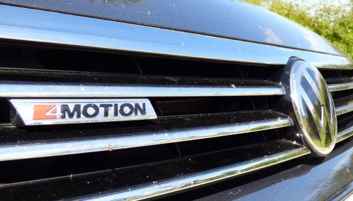 Volkswagen Passat Variant BiTdi da 240CV: la prova della wagon da corsa - Foto 16 di 29