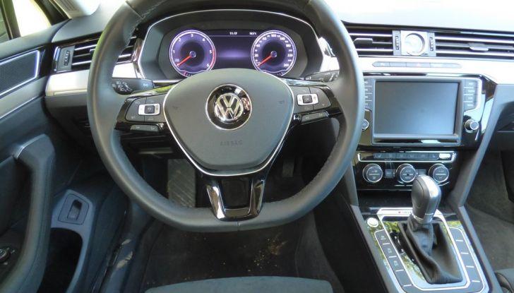 Volkswagen Passat Variant BiTdi da 240CV: la prova della wagon da corsa - Foto 11 di 29