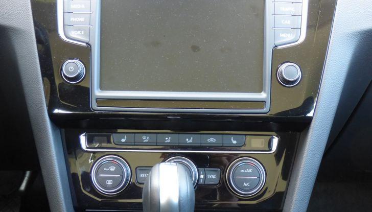 Volkswagen Passat Variant BiTdi da 240CV: la prova della wagon da corsa - Foto 8 di 29