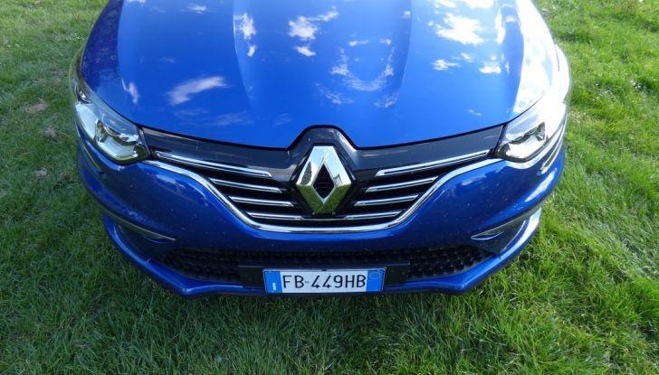 Renault Mégane GT Line da 130CV, prova su strada, impressioni e prezzi - Foto 25 di 36