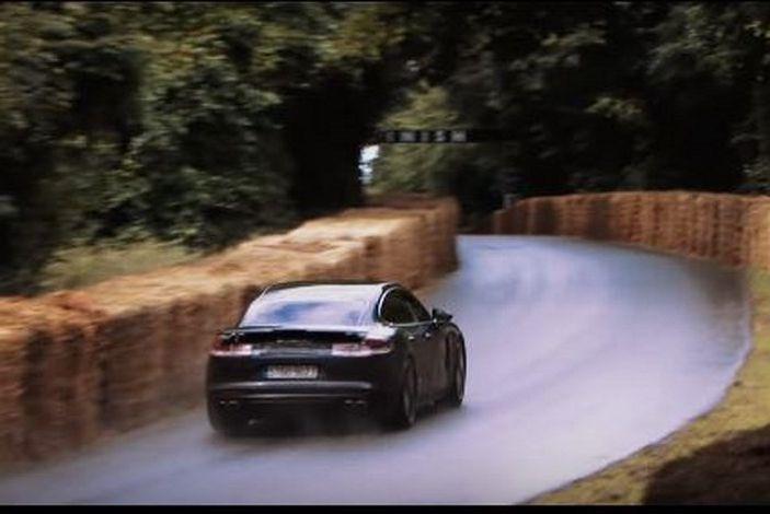 Porsche Panamera 2017, il Test Drive di Patrick Dempsey: oltre 500CV - Foto 4 di 18