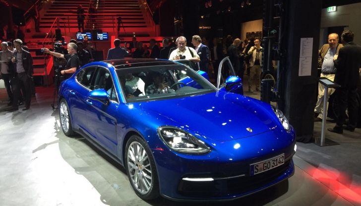 Nuova Porsche Panamera: dotazioni, motorizzazioni e prezzi - Foto 2 di 20