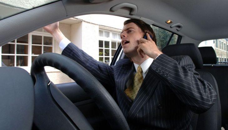 Parcheggiare troppo vicino a un'auto può essere reato di violenza privata - Foto 4 di 8