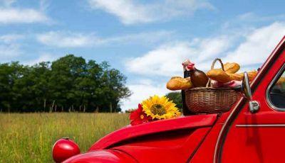Gita fuori porta: ecco gli accessori per un perfetto picnic in auto