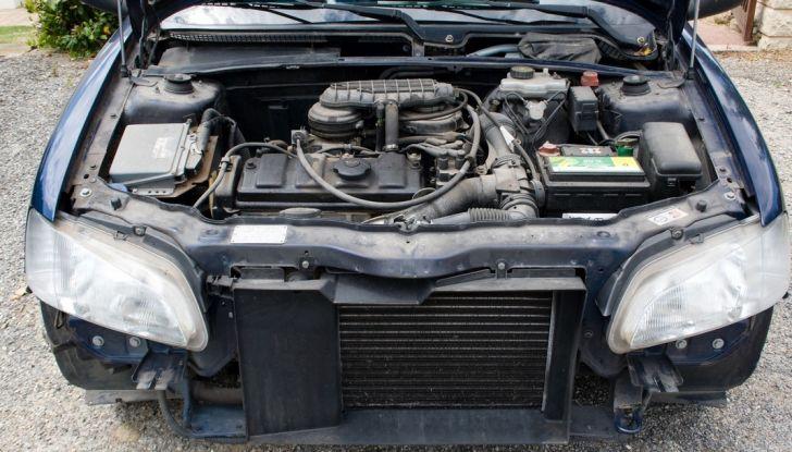 Come evitare che il motore dell'auto si surriscaldi: manutenzione del radiatore - Foto 7 di 7