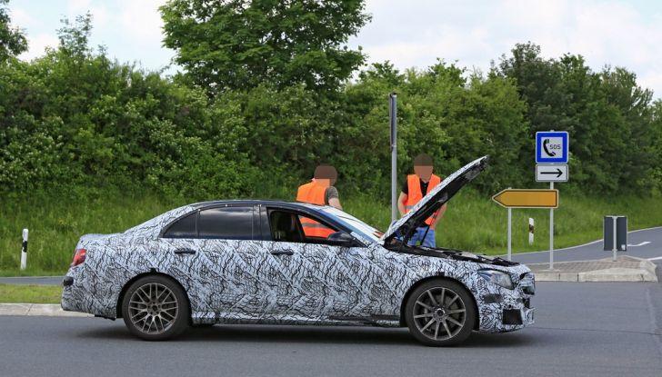 Mercedes AMG E63: le foto spia del guasto - Foto 3 di 12