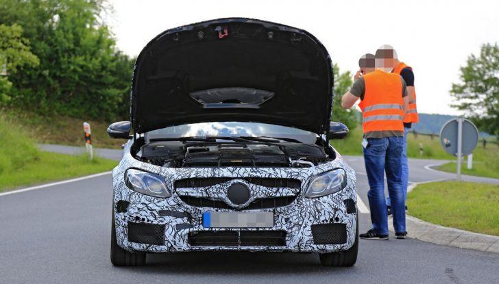 Mercedes AMG E63: le foto spia del guasto - Foto 5 di 12