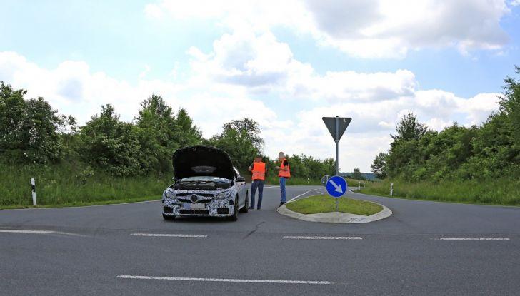 Mercedes AMG E63: le foto spia del guasto - Foto 6 di 12