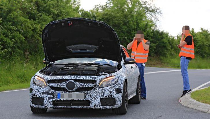 Mercedes AMG E63: le foto spia del guasto - Foto 7 di 12
