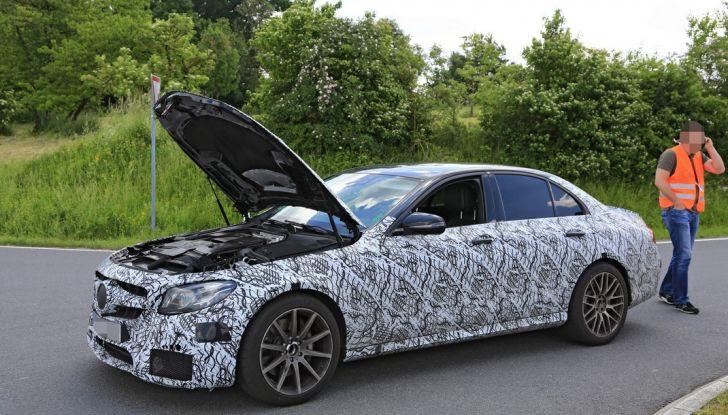 Mercedes AMG E63: le foto spia del guasto - Foto 9 di 12
