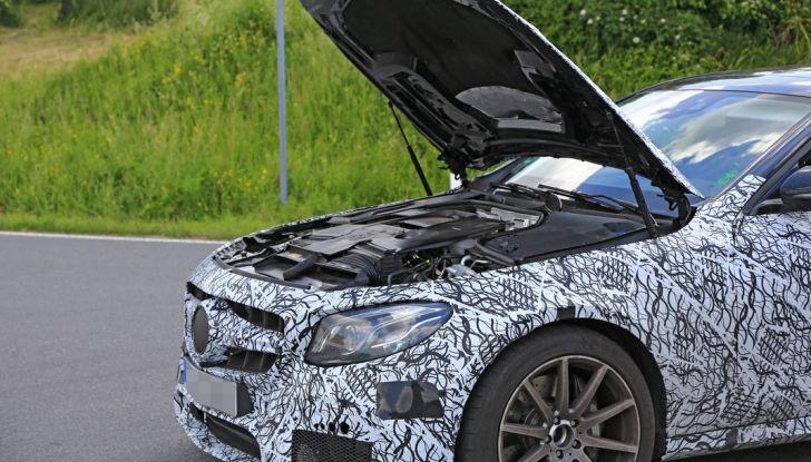 Mercedes AMG E63: le foto spia del guasto - Foto 10 di 12