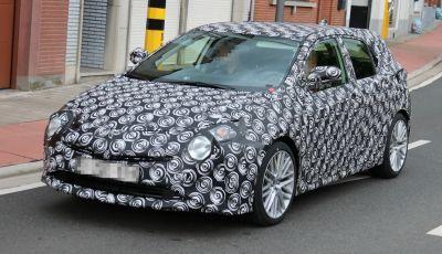 Toyota Auris, prime foto spia della nuova generazione