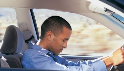 Consigli per prevenire i colpi di sonno alla guida