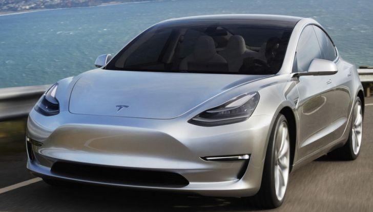 Tesla Model 3: ecco le nuove foto - Foto 1 di 5