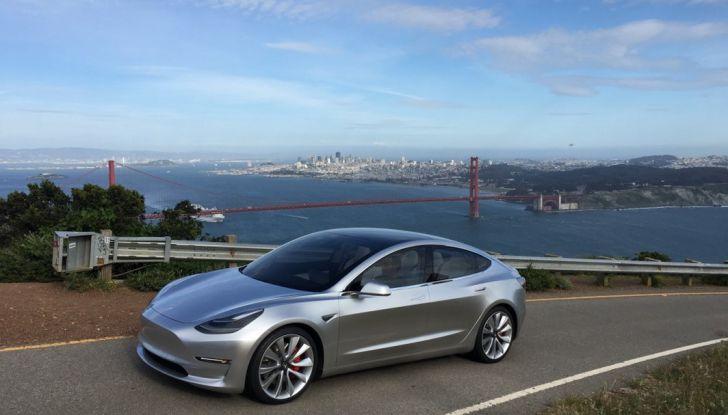 Tesla Model 3: ecco le nuove foto - Foto 4 di 5
