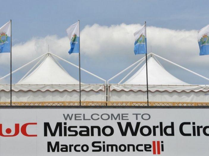 WorldSBK: il Team Aprilia Ioda Racing e il team Pata Yamaha al lavoro a Misano. - Foto 7 di 7