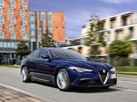 Alfa Romeo Giulia benzina 2.0 sbarca negli USA: la berlina sportiva in vendita da gennaio
