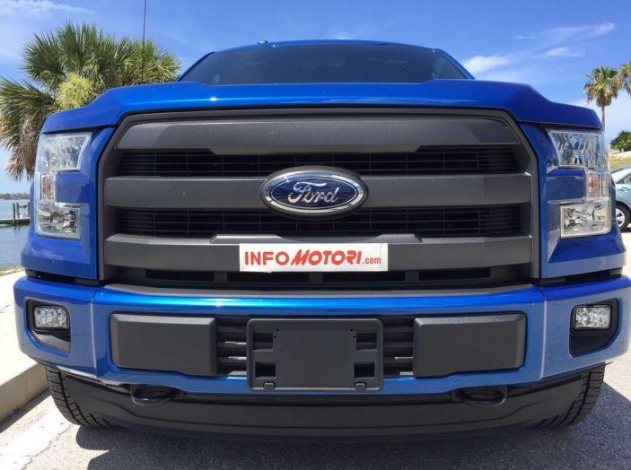 Test Drive Ford F-150 negli USA: il pick-up americano provato su strada - Foto 16 di 17