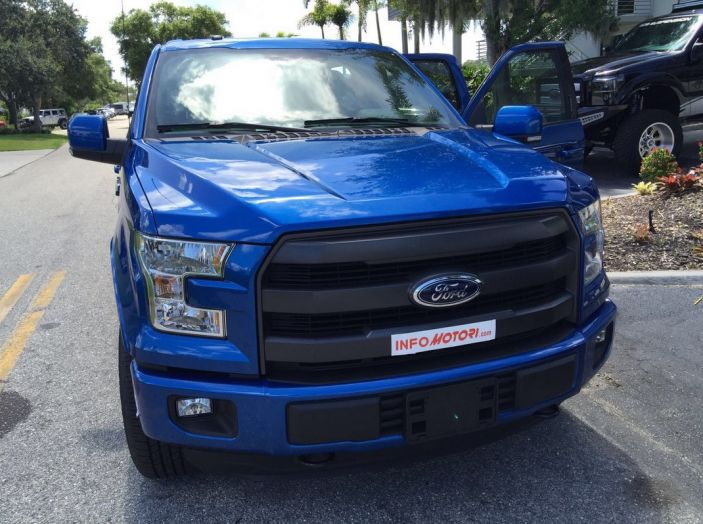 Test Drive Ford F-150 negli USA: il pick-up americano provato su strada - Foto 10 di 17