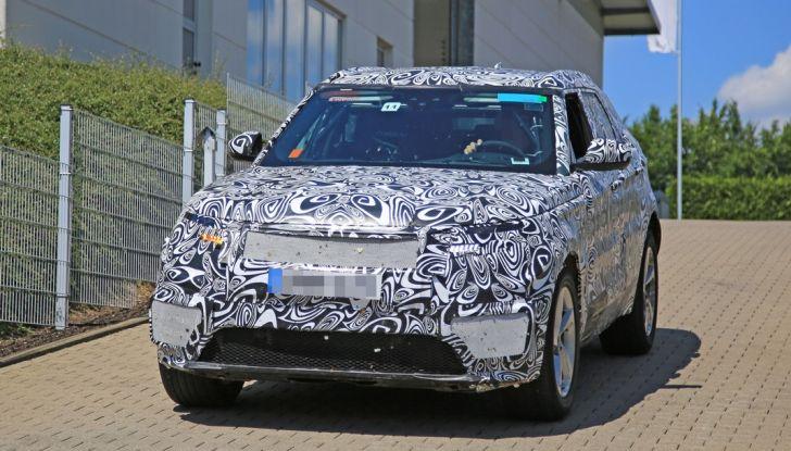 Nuova Land Rover Range Sport Coupe, prime foto spia dal Nurburgring - Foto 9 di 15
