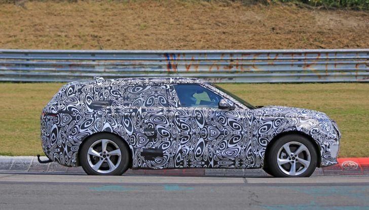 Nuova Land Rover Range Sport Coupe, prime foto spia dal Nurburgring - Foto 5 di 15