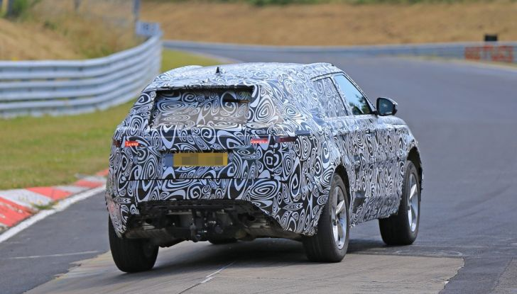 Nuova Land Rover Range Sport Coupe, prime foto spia dal Nurburgring - Foto 6 di 15