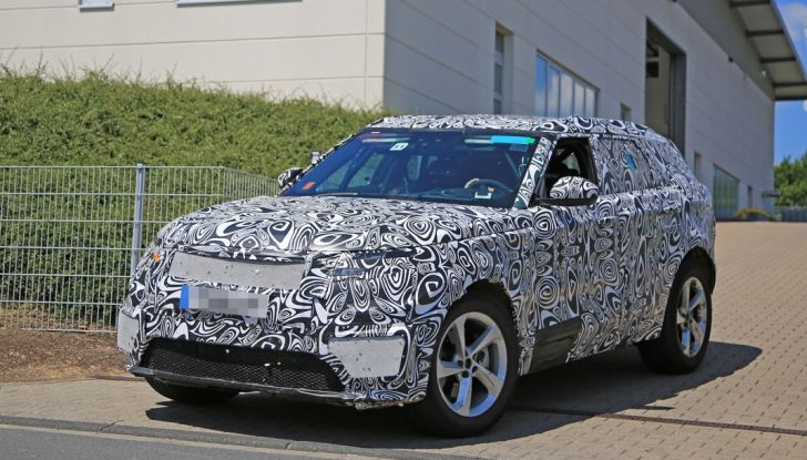 Nuova Land Rover Range Sport Coupe, prime foto spia dal Nurburgring - Foto 10 di 15