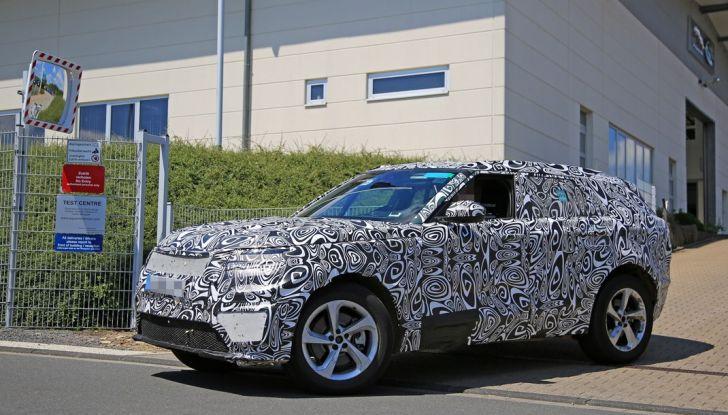 Nuova Land Rover Range Sport Coupe, prime foto spia dal Nurburgring - Foto 11 di 15