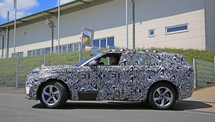 Nuova Land Rover Range Sport Coupe, prime foto spia dal Nurburgring - Foto 12 di 15