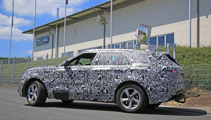 Nuova Land Rover Range Sport Coupe, prime foto spia dal Nurburgring - Foto 13 di 15