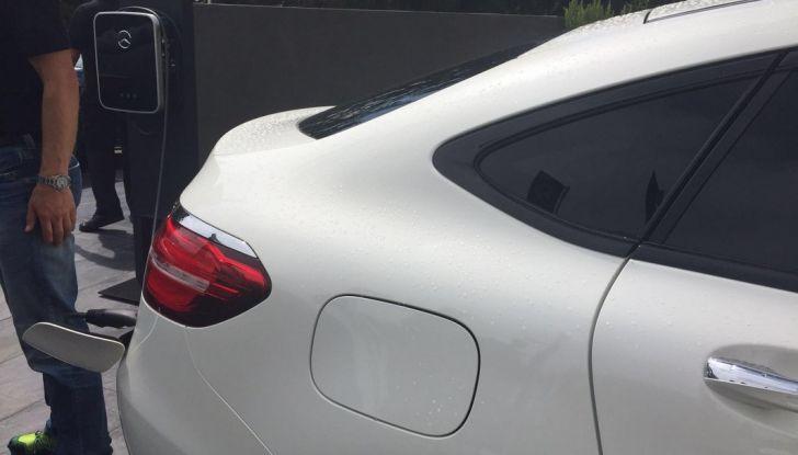 Mercedes GLC Coupè prova su strada, prezzi e allestimenti - Foto 25 di 27