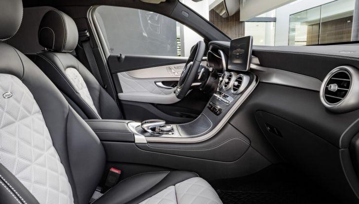 Mercedes GLC Coupè prova su strada, prezzi e allestimenti - Foto 16 di 27
