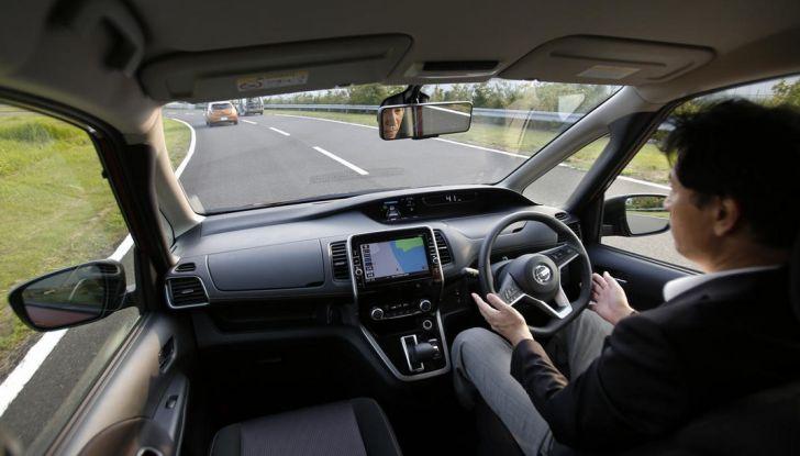 Nuova Nissan Serena, ora con ProPILOT per la guida autonoma - Foto 10 di 10