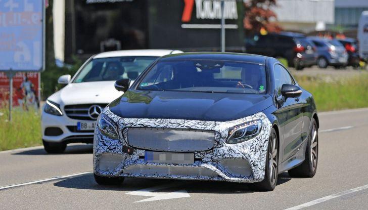 Nuova Mercedes AMG S63 Coupe 2018, le prime foto spia - Foto 3 di 10