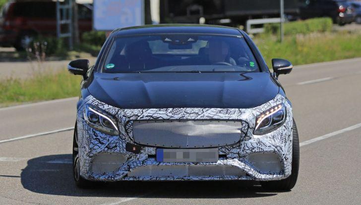 Nuova Mercedes AMG S63 Coupe 2018, le prime foto spia - Foto 4 di 10