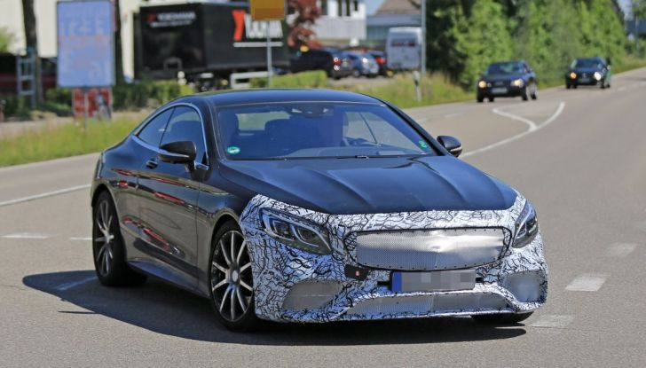 Nuova Mercedes AMG S63 Coupe 2018, le prime foto spia - Foto 2 di 10