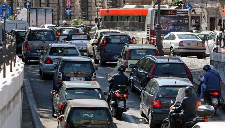 Vacanze in auto all'estero, le norme da rispettare per chi viaggia - Foto 7 di 10
