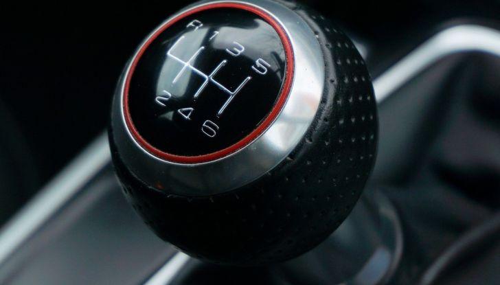 Come risparmiare carburante in auto e inquinare meno l'ambiente - Foto 2 di 10