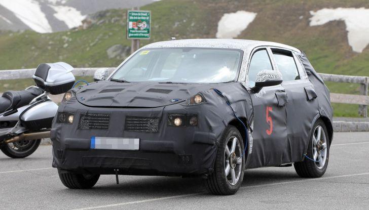 Geely SUV compatto, prime foto spia del modello del produttore cinese - Foto 3 di 12
