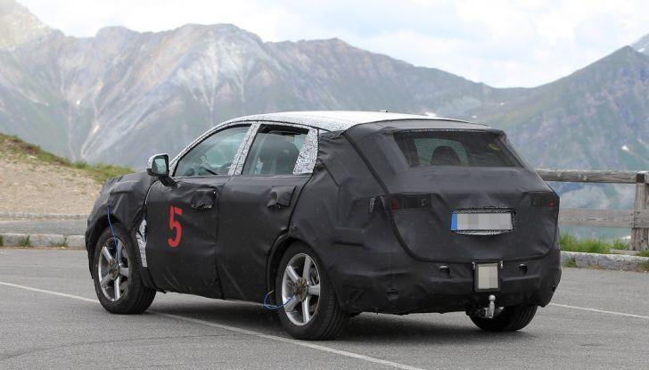 Geely SUV compatto, prime foto spia del modello del produttore cinese - Foto 7 di 12