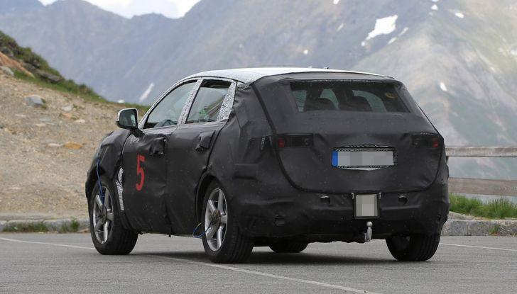 Geely SUV compatto, prime foto spia del modello del produttore cinese - Foto 8 di 12