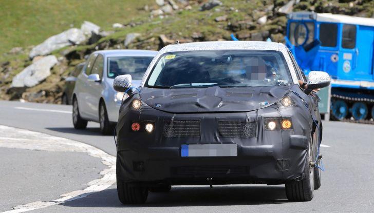 Geely SUV compatto, prime foto spia del modello del produttore cinese - Foto 9 di 12