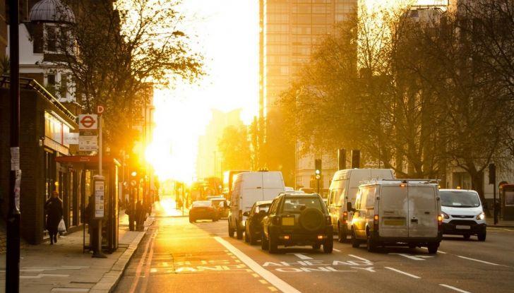 Come risparmiare carburante in auto e inquinare meno l'ambiente - Foto 8 di 10