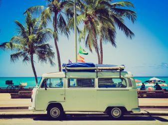 10 consigli utili per le vostre vacanze in auto: cosa controllare prima di partire