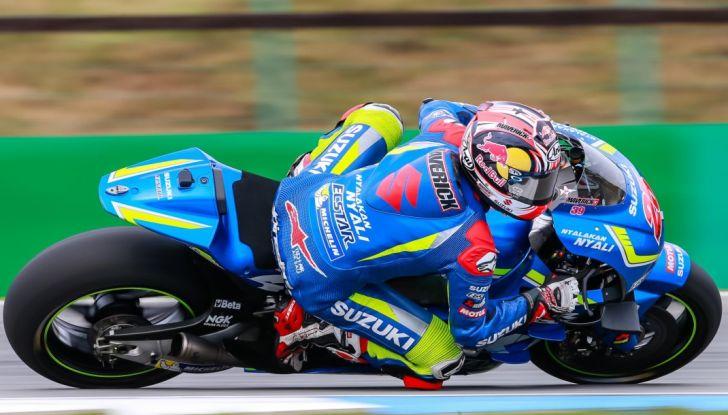Risultati MotoGP 2016, Silverstone: vince Vinales, Rossi terzo - Foto 14 di 27