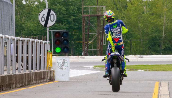 Risultati MotoGP 2016, Silverstone: vince Vinales, Rossi terzo - Foto 22 di 27