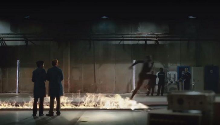 Nissan e Usain Bolt: sfida contro il fuoco per presentare la nuova GT-R - Foto 9 di 12