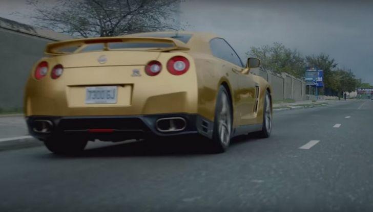 Nissan e Usain Bolt: sfida contro il fuoco per presentare la nuova GT-R - Foto 1 di 12