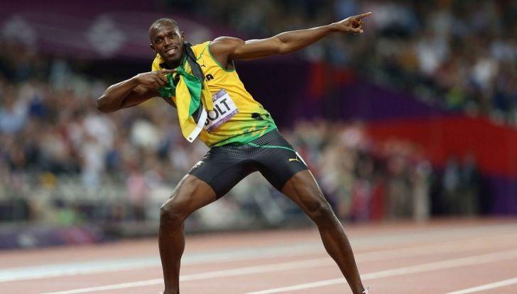 Usain Bolt, 6 volte medaglia d'oro alle Olimpiadi, sfida il fuoco - Foto 4 di 9
